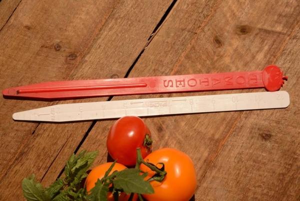 tomato garden marker